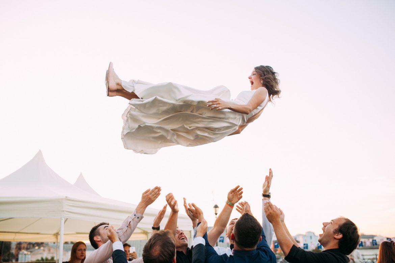 Hochzeitsgäste unterhalten
